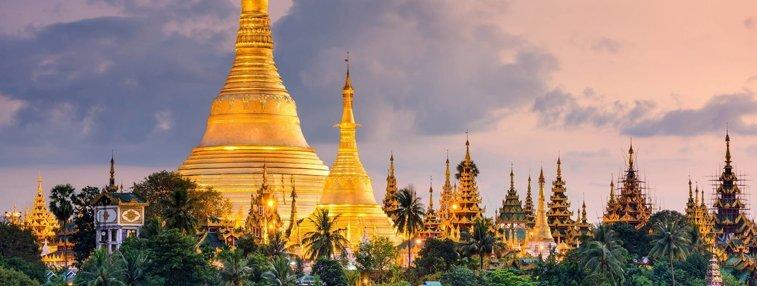 Visit Yangon's landmark: Shwedagon Pagoda