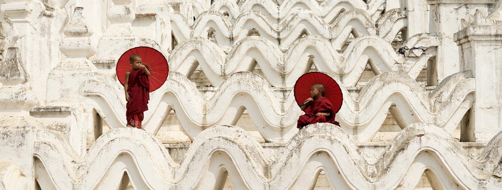 Novices at Hysinbyume Pagoda in Mingun