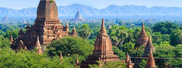 View of the pagodas in Bagan