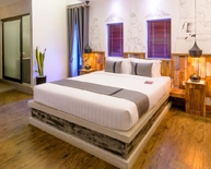 deluxe room at double leaf boutique hotel