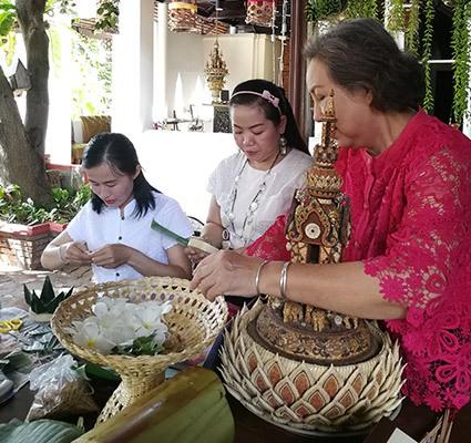 Loy Krathong Making