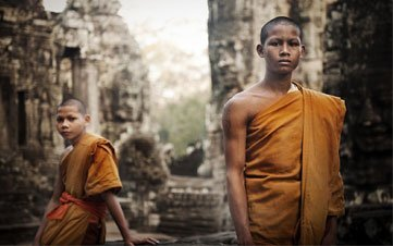 Monks in Bayon