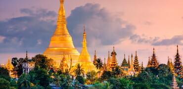 Iconic Shwedagon Pagoda